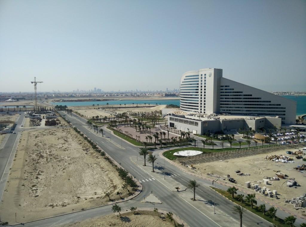 Il nuovissimo Hotel Rotana a 7 stelle e la zona in costruzione di Amwaj Island